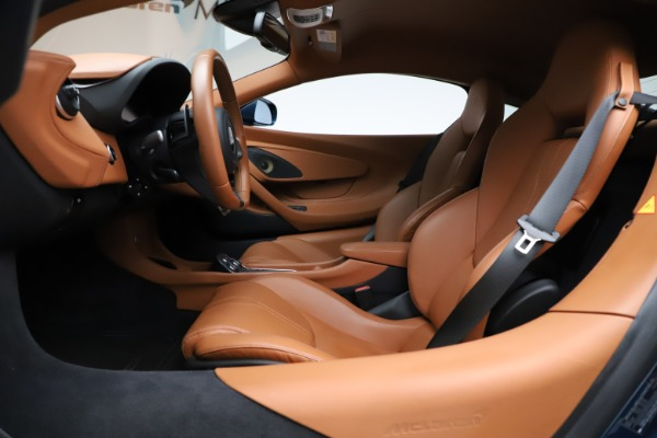 Used 2017 McLaren 570S for sale $149,900 at Maserati of Greenwich in Greenwich CT 06830 14