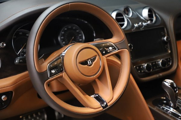 Used 2017 Bentley Bentayga W12 for sale $149,900 at Maserati of Greenwich in Greenwich CT 06830 18