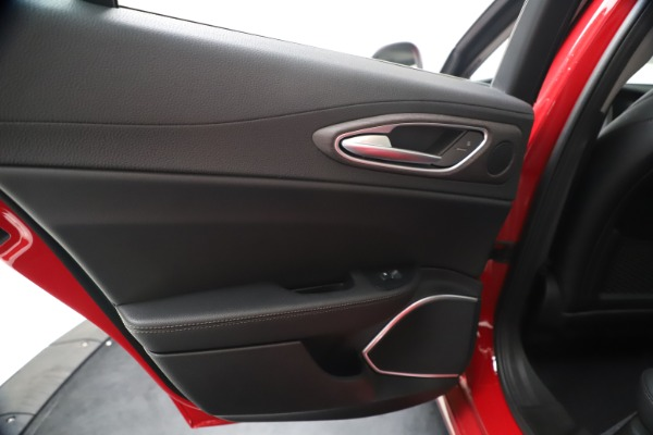 New 2020 Alfa Romeo Giulia Ti Q4 for sale $47,745 at Maserati of Greenwich in Greenwich CT 06830 20