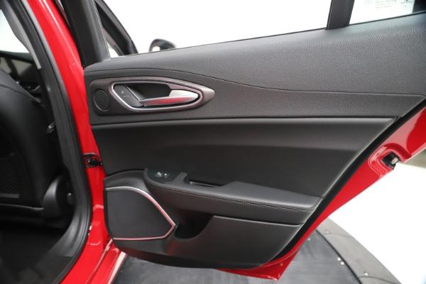 New 2020 Alfa Romeo Giulia Ti Q4 for sale $47,745 at Maserati of Greenwich in Greenwich CT 06830 28
