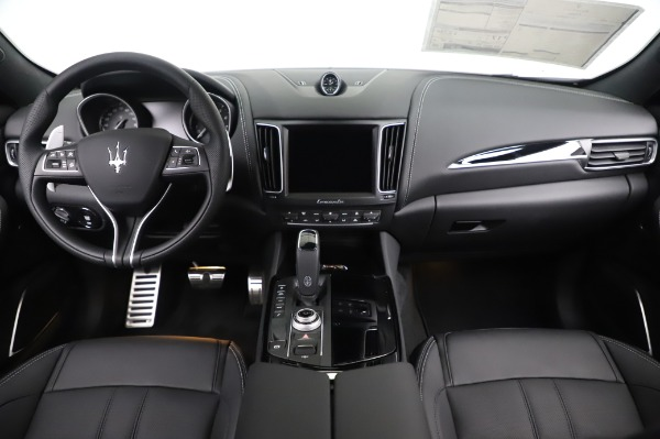 New 2020 Maserati Levante Q4 GranSport for sale Sold at Maserati of Greenwich in Greenwich CT 06830 16