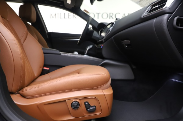 New 2020 Maserati Ghibli S Q4 for sale $82,385 at Maserati of Greenwich in Greenwich CT 06830 23