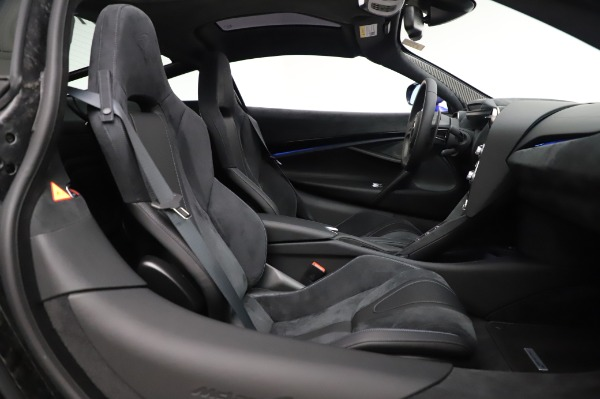 New 2020 McLaren 720S Coupe for sale $349,050 at Maserati of Greenwich in Greenwich CT 06830 19