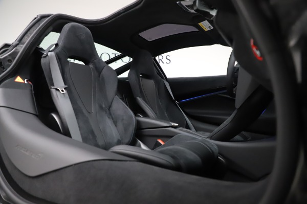 New 2020 McLaren 720S Coupe for sale $349,050 at Maserati of Greenwich in Greenwich CT 06830 20
