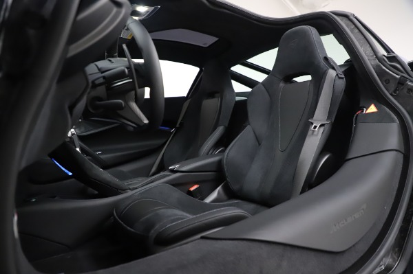 New 2020 McLaren 720S Coupe for sale $349,050 at Maserati of Greenwich in Greenwich CT 06830 22