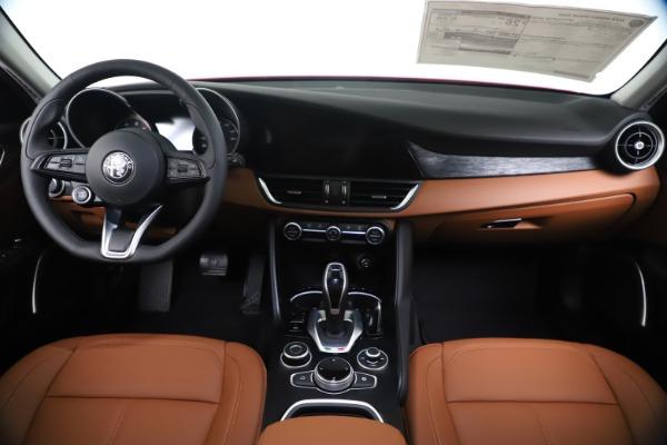 New 2020 Alfa Romeo Giulia Q4 for sale $46,395 at Maserati of Greenwich in Greenwich CT 06830 16
