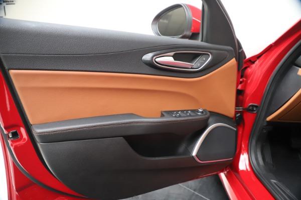 New 2020 Alfa Romeo Giulia Q4 for sale $46,395 at Maserati of Greenwich in Greenwich CT 06830 17