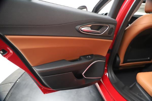 New 2020 Alfa Romeo Giulia Q4 for sale $46,395 at Maserati of Greenwich in Greenwich CT 06830 21