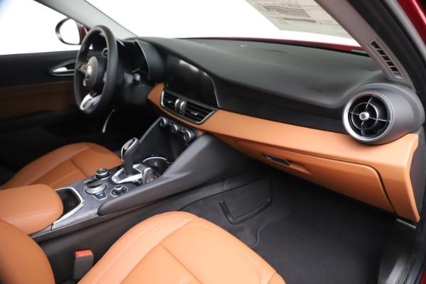 New 2020 Alfa Romeo Giulia Q4 for sale $46,395 at Maserati of Greenwich in Greenwich CT 06830 22