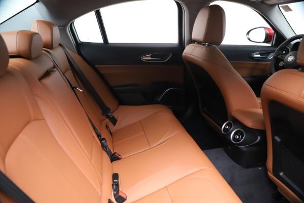 New 2020 Alfa Romeo Giulia Q4 for sale $46,395 at Maserati of Greenwich in Greenwich CT 06830 27