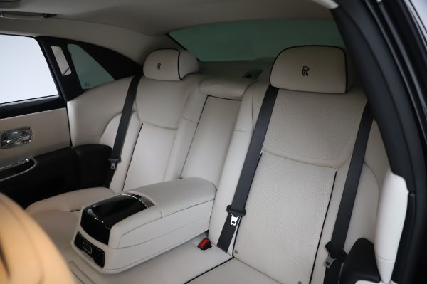 Used 2015 Rolls-Royce Ghost Base for sale Call for price at Maserati of Greenwich in Greenwich CT 06830 14