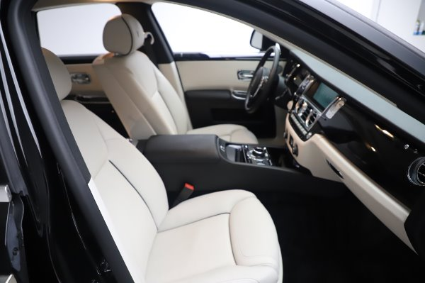 Used 2015 Rolls-Royce Ghost Base for sale Call for price at Maserati of Greenwich in Greenwich CT 06830 16