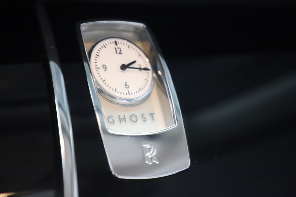 Used 2015 Rolls-Royce Ghost Base for sale Call for price at Maserati of Greenwich in Greenwich CT 06830 24