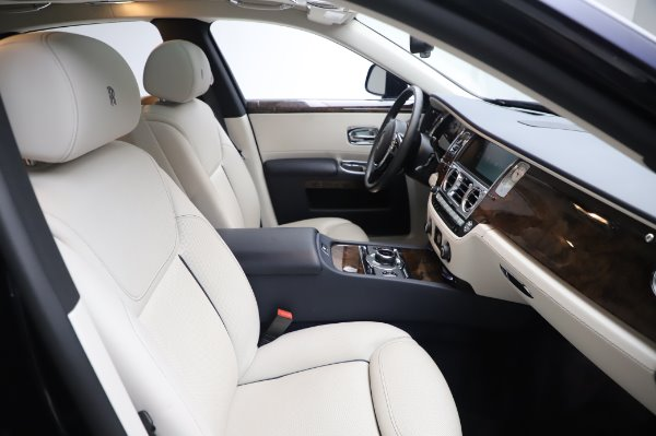 Used 2016 Rolls-Royce Ghost for sale $173,900 at Maserati of Greenwich in Greenwich CT 06830 13