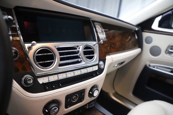 Used 2016 Rolls-Royce Ghost for sale $173,900 at Maserati of Greenwich in Greenwich CT 06830 23