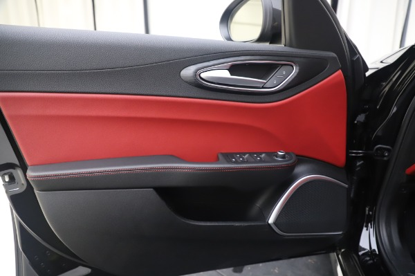 New 2020 Alfa Romeo Giulia Q4 for sale Sold at Maserati of Greenwich in Greenwich CT 06830 17