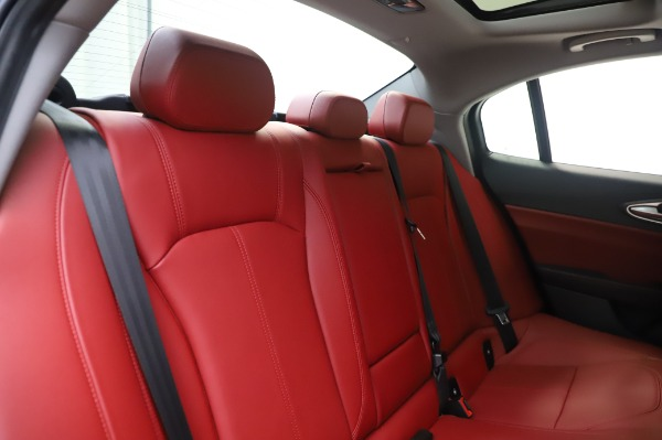 New 2020 Alfa Romeo Giulia Q4 for sale Sold at Maserati of Greenwich in Greenwich CT 06830 26
