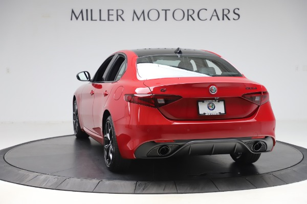 New 2020 Alfa Romeo Giulia Sport Q4 for sale $48,645 at Maserati of Greenwich in Greenwich CT 06830 5