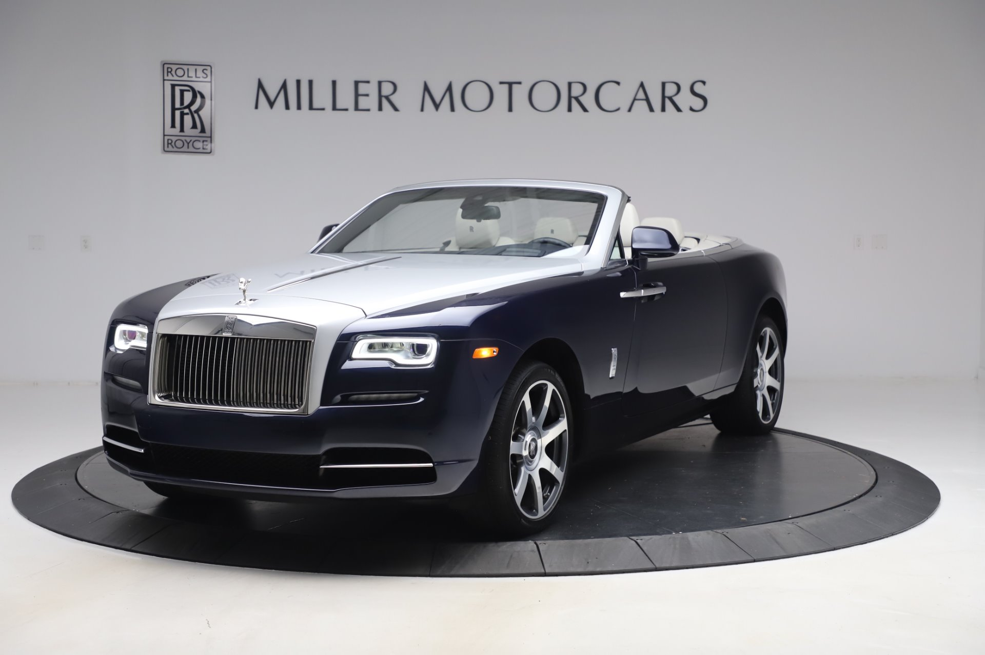 Used 2017 Rolls-Royce Dawn Base for sale $248,900 at Maserati of Greenwich in Greenwich CT 06830 1