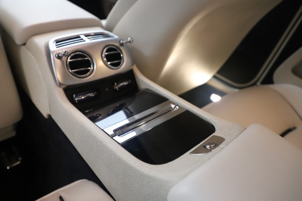 Used 2015 Rolls-Royce Wraith for sale $189,900 at Maserati of Greenwich in Greenwich CT 06830 24