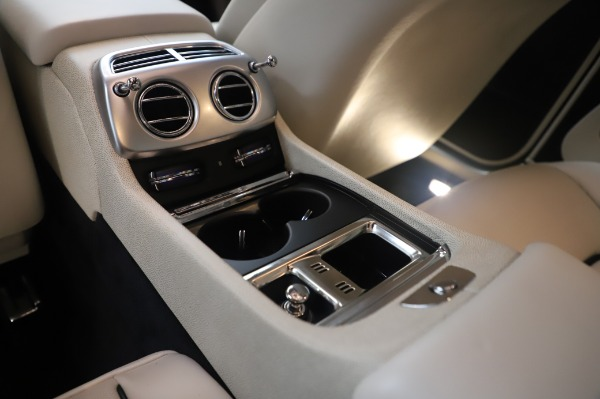 Used 2015 Rolls-Royce Wraith for sale $189,900 at Maserati of Greenwich in Greenwich CT 06830 25