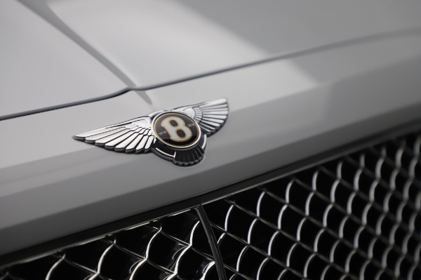 New 2020 Bentley Bentayga Hybrid for sale $226,695 at Maserati of Greenwich in Greenwich CT 06830 14