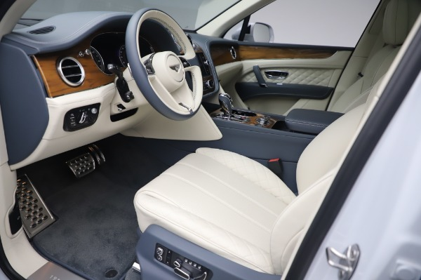 Used 2020 Bentley Bentayga Hybrid for sale $185,900 at Maserati of Greenwich in Greenwich CT 06830 18