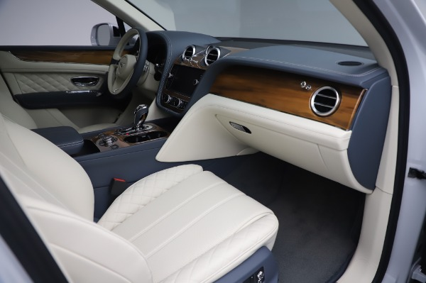 Used 2020 Bentley Bentayga Hybrid for sale $185,900 at Maserati of Greenwich in Greenwich CT 06830 26