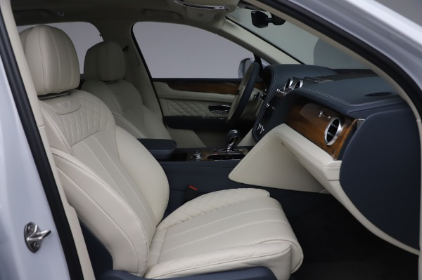 Used 2020 Bentley Bentayga Hybrid for sale $185,900 at Maserati of Greenwich in Greenwich CT 06830 27