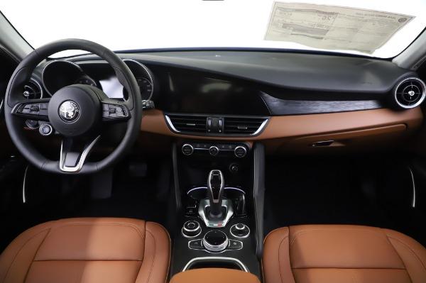 New 2020 Alfa Romeo Giulia Q4 for sale $47,845 at Maserati of Greenwich in Greenwich CT 06830 15