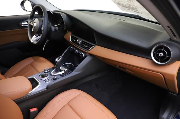 New 2020 Alfa Romeo Giulia Q4 for sale $47,845 at Maserati of Greenwich in Greenwich CT 06830 21