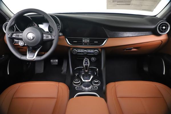 New 2020 Alfa Romeo Giulia Q4 for sale $45,445 at Maserati of Greenwich in Greenwich CT 06830 16