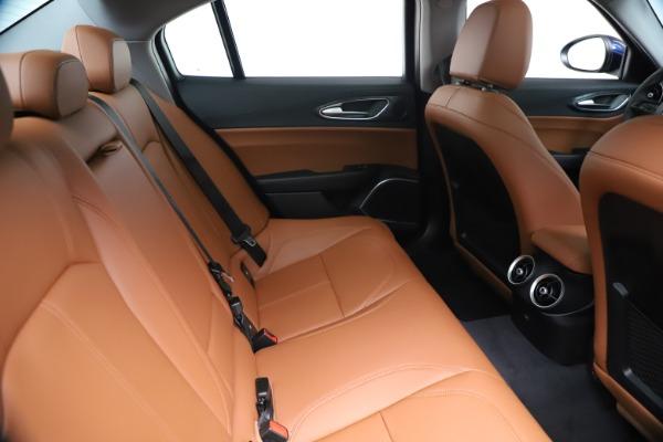 New 2020 Alfa Romeo Giulia Q4 for sale $45,445 at Maserati of Greenwich in Greenwich CT 06830 28
