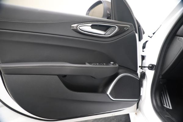 New 2020 Alfa Romeo Giulia Ti Sport Carbon Q4 for sale $51,640 at Maserati of Greenwich in Greenwich CT 06830 17