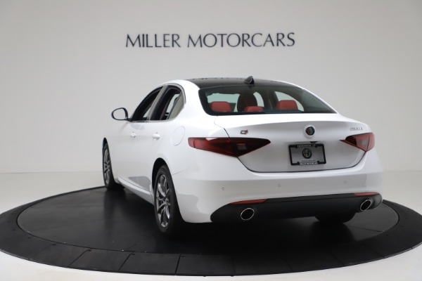 New 2020 Alfa Romeo Giulia Q4 for sale $44,845 at Maserati of Greenwich in Greenwich CT 06830 5