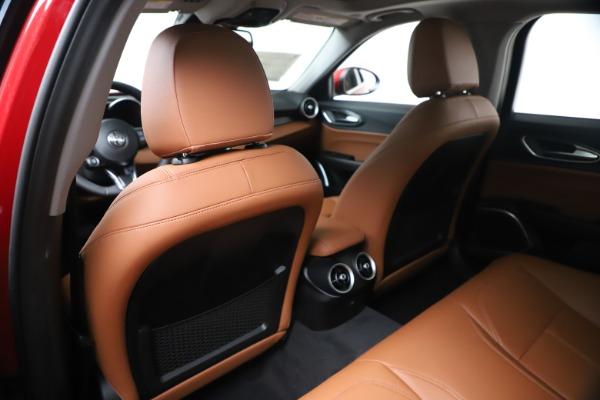 New 2020 Alfa Romeo Giulia Q4 for sale $40,466 at Maserati of Greenwich in Greenwich CT 06830 20