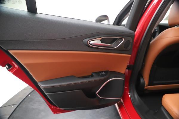 New 2020 Alfa Romeo Giulia Q4 for sale $40,466 at Maserati of Greenwich in Greenwich CT 06830 21