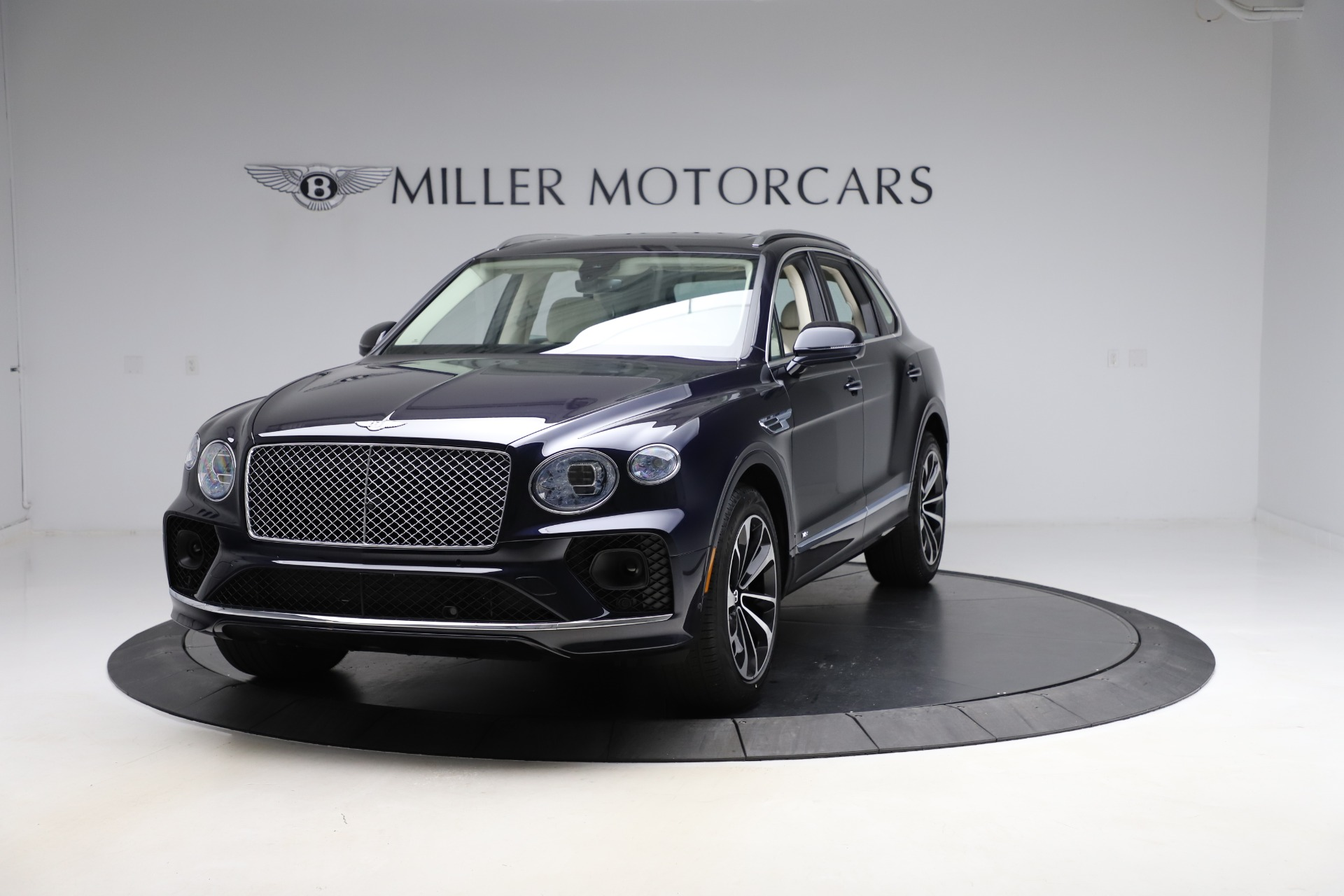 New 2021 Bentley Bentayga V8 for sale Sold at Maserati of Greenwich in Greenwich CT 06830 1