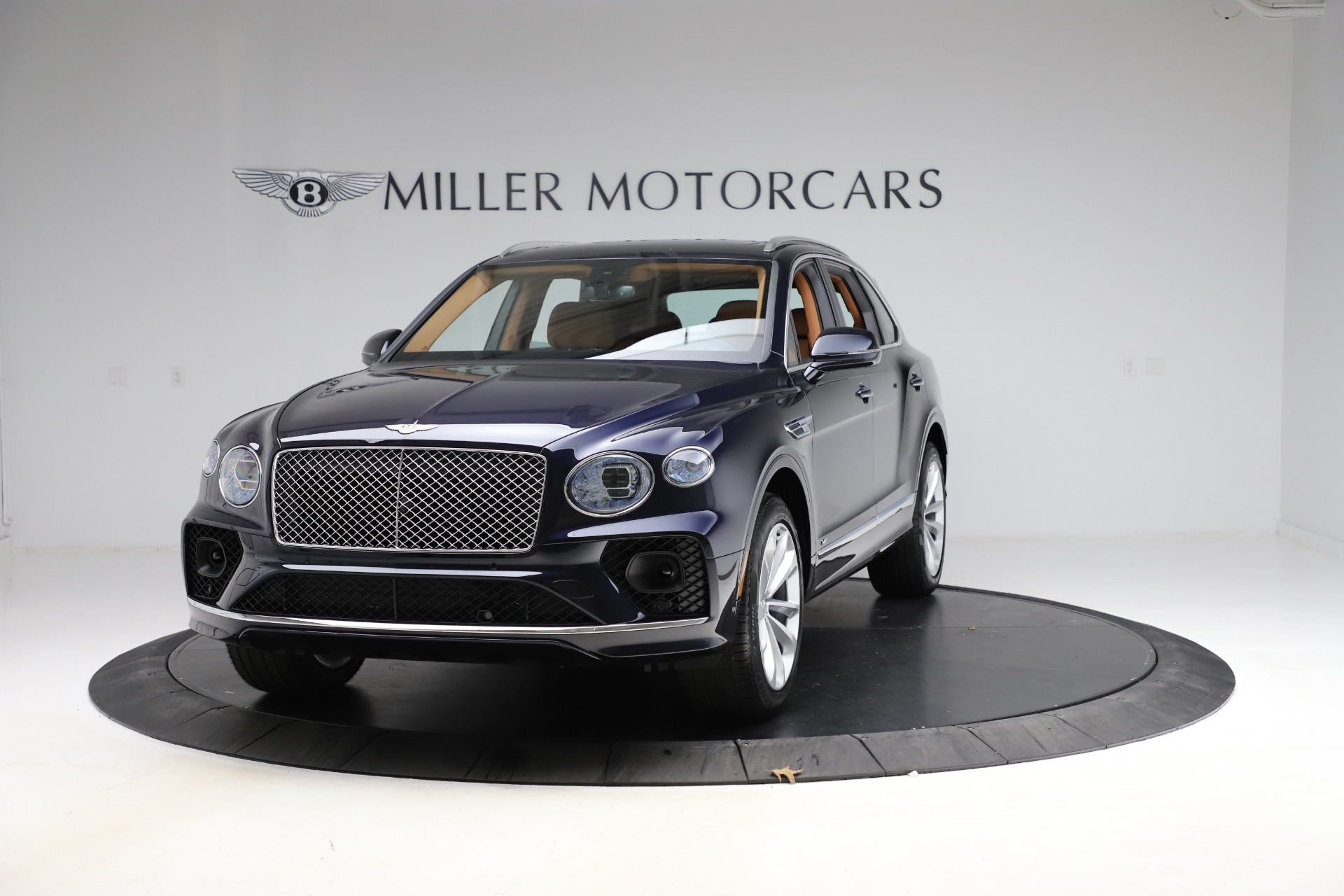New 2021 Bentley Bentayga V8 for sale $203,205 at Maserati of Greenwich in Greenwich CT 06830 1