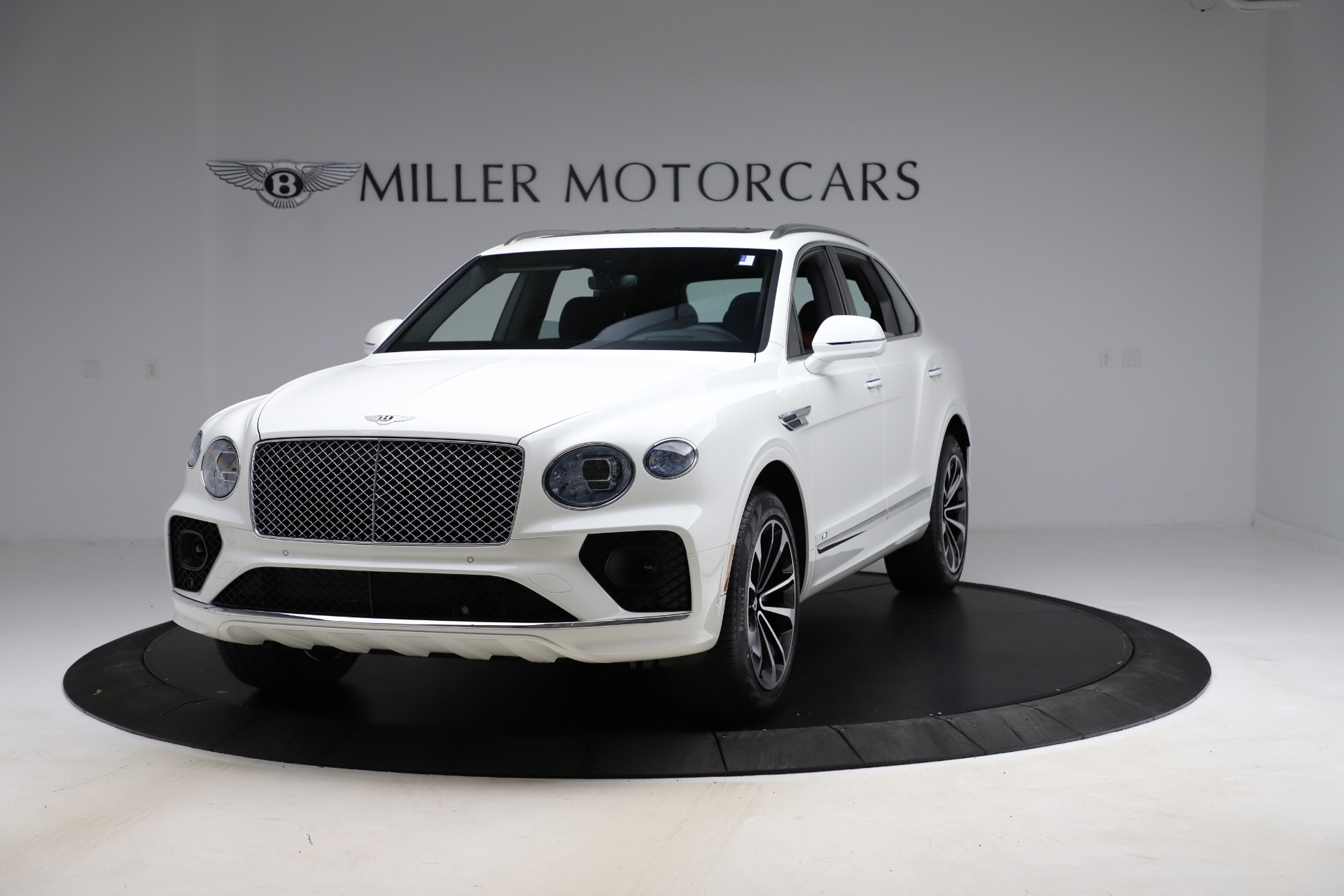 New 2021 Bentley Bentayga V8 for sale $207,765 at Maserati of Greenwich in Greenwich CT 06830 1