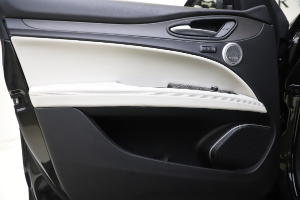 New 2020 Alfa Romeo Stelvio Ti Q4 for sale $50,895 at Maserati of Greenwich in Greenwich CT 06830 16