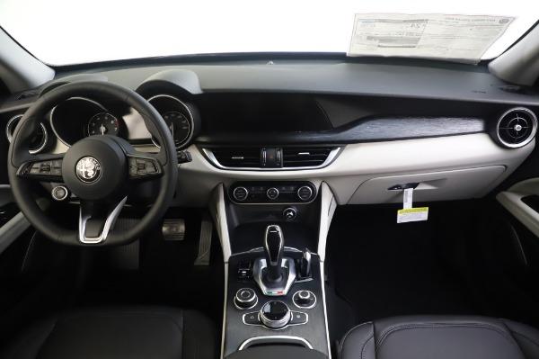 New 2020 Alfa Romeo Stelvio Q4 for sale $47,395 at Maserati of Greenwich in Greenwich CT 06830 16