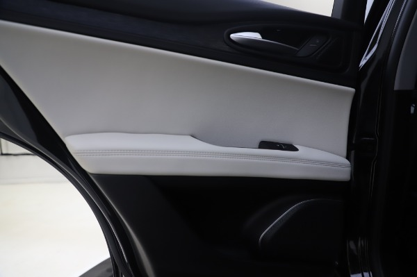 New 2020 Alfa Romeo Stelvio Q4 for sale $47,395 at Maserati of Greenwich in Greenwich CT 06830 21