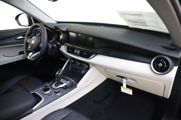 New 2020 Alfa Romeo Stelvio Q4 for sale $47,395 at Maserati of Greenwich in Greenwich CT 06830 24