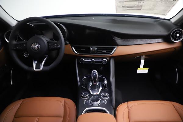 New 2020 Alfa Romeo Giulia Q4 for sale $47,845 at Maserati of Greenwich in Greenwich CT 06830 16