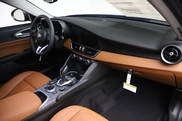 New 2020 Alfa Romeo Giulia Q4 for sale $47,845 at Maserati of Greenwich in Greenwich CT 06830 24