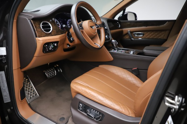 Used 2017 Bentley Bentayga W12 for sale $138,900 at Maserati of Greenwich in Greenwich CT 06830 17