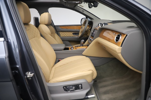 Used 2017 Bentley Bentayga W12 for sale Sold at Maserati of Greenwich in Greenwich CT 06830 25