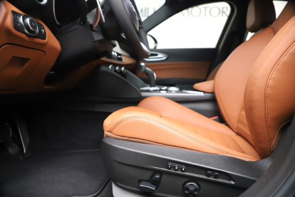 New 2020 Alfa Romeo Giulia Ti Sport Q4 for sale Sold at Maserati of Greenwich in Greenwich CT 06830 15