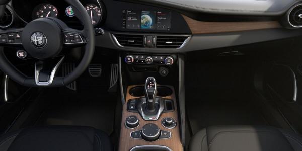 New 2020 Alfa Romeo Giulia Ti Lusso Q4 for sale $51,195 at Maserati of Greenwich in Greenwich CT 06830 3